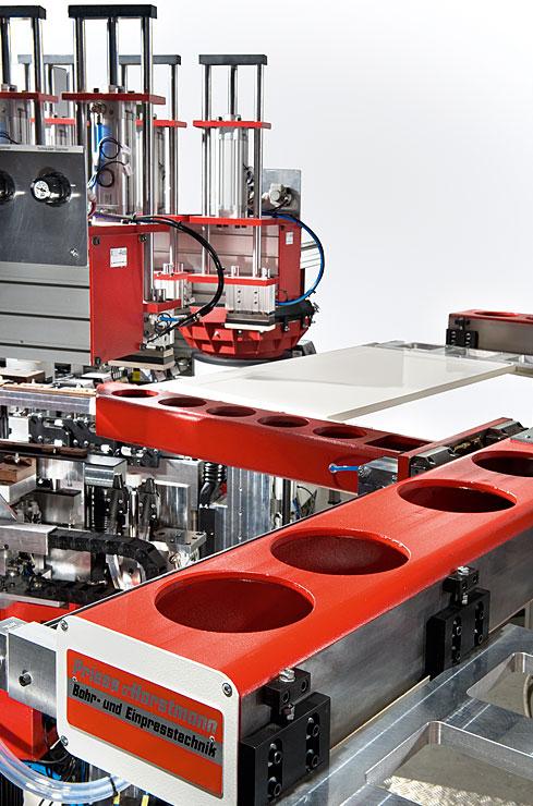 BAT-RTW Bohr- und Montageanlage
